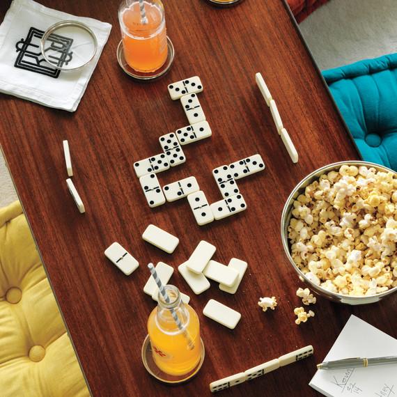 dominoes-mld108553.jpg