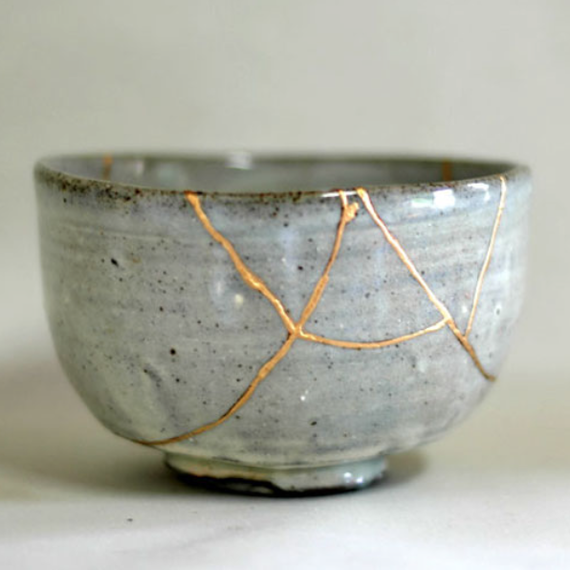 kintsugi bowl & Kintsugi: The Japanese Art of Finding Beauty in Broken Dishes ...