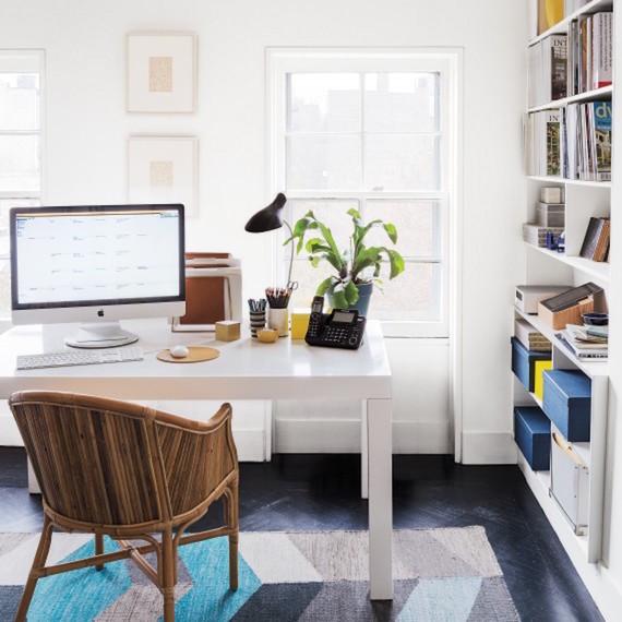 office-037-d111797_sq.jpg (skyword:308066)
