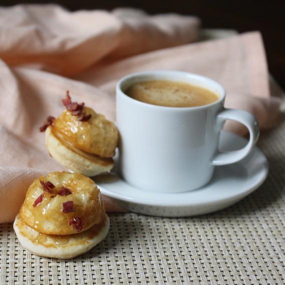 Pancake_Maple_Bacon_Doughnut.jpg (skyword:242620)