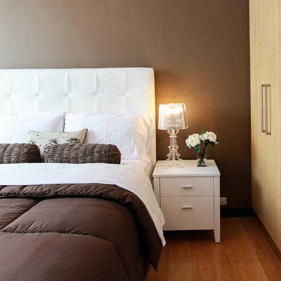 bed-making-app-1216.jpg (skyword:376272)