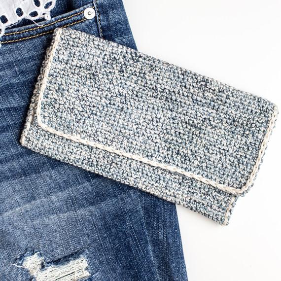 crochet-clutch-7114.jpg (skyword:307093)
