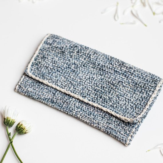 crochet-clutch-7180.jpg (skyword:307337)