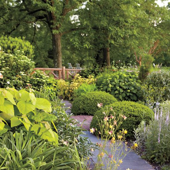 gardenpath-md110341.jpg