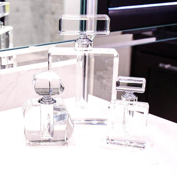 perfume-bottle-1016.jpg (skyword:354897)