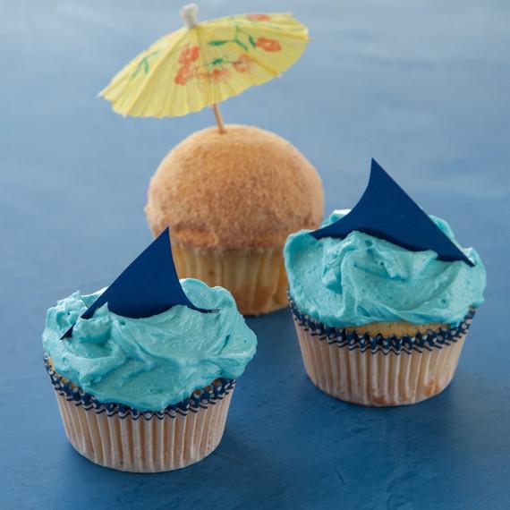 shark-cupcakes-0813.jpg