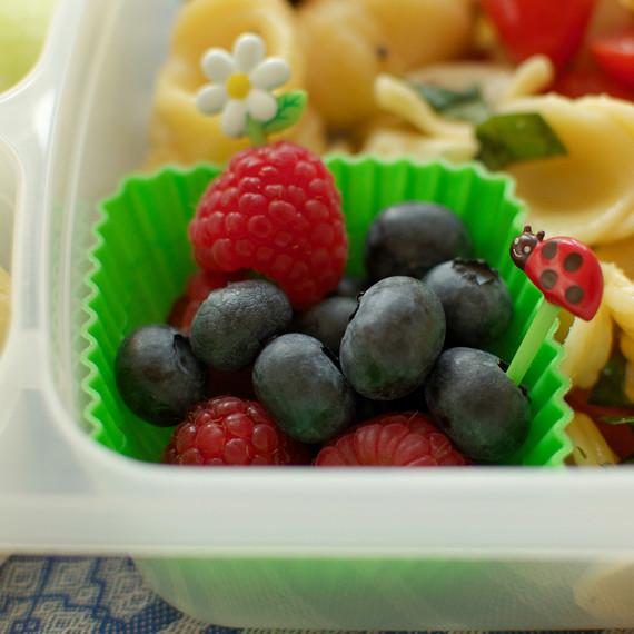 fruit-lunch-box-0116.jpg (skyword:218787)