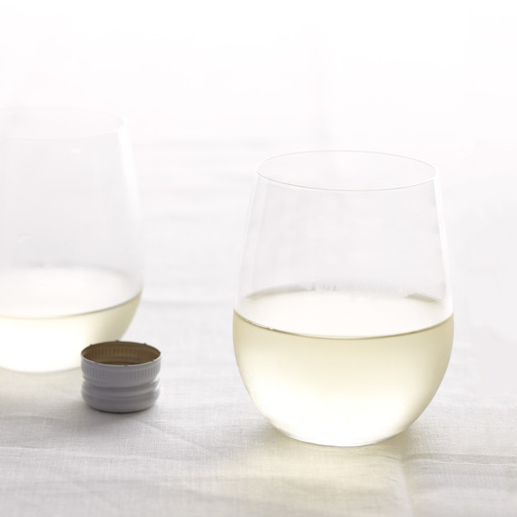 wine-glass-mld108685.jpg