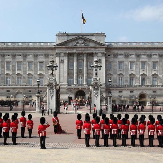 buckingham_palace_guards_0718