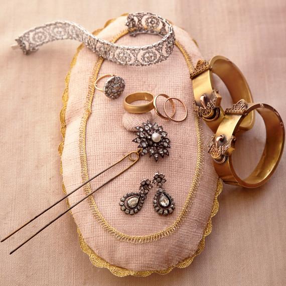 jewelry-0811mwd107282.jpg