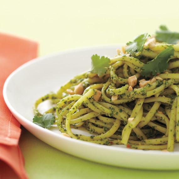 pesto-pasta-med108462.jpg