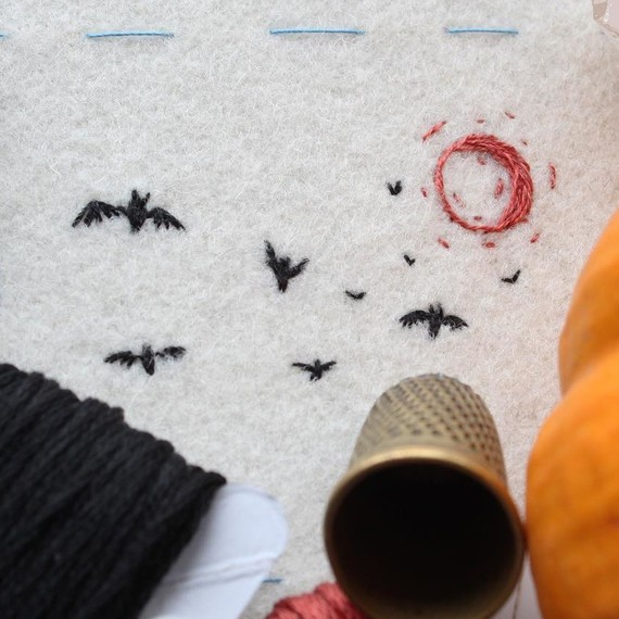 embroidery bats mini halloween