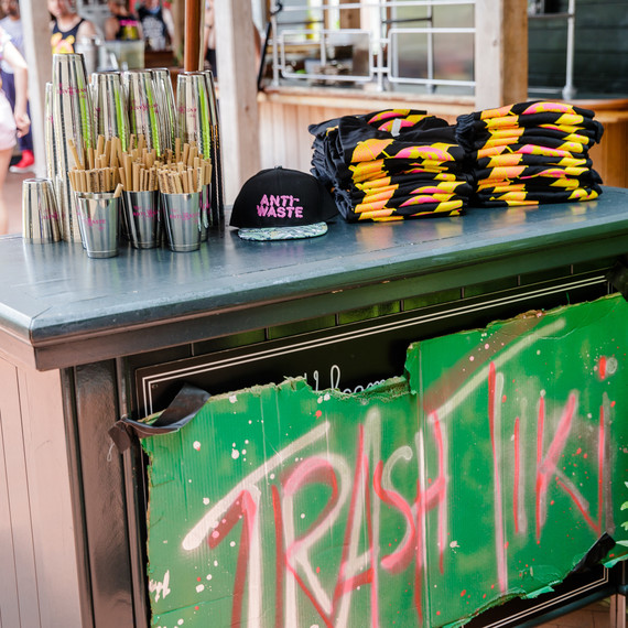 trash-tiki-stand-0817