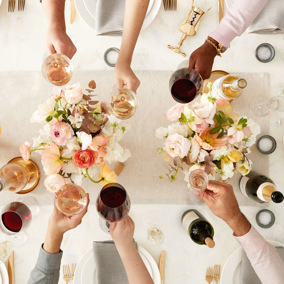 wine toasting table flowers