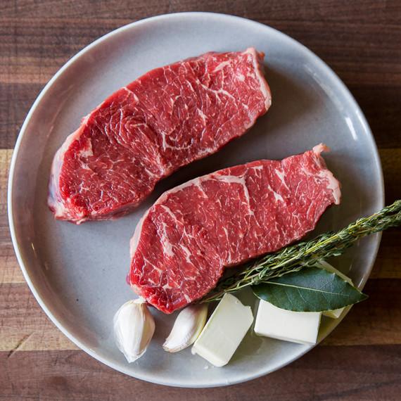 Selecting-Meat-Square3.JPG (skyword:186158)