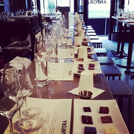 anfora-wine-class-1216.jpg (skyword:376392)