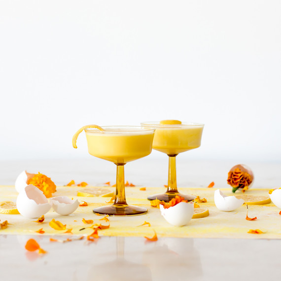 cocktail_yellow_coupes_1217.jpg (skyword:213238)