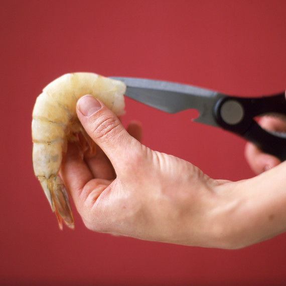 cutting shrimp