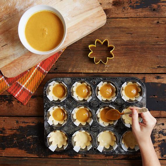 mini-pumpkin-pies-3976.jpg (skyword:442010)