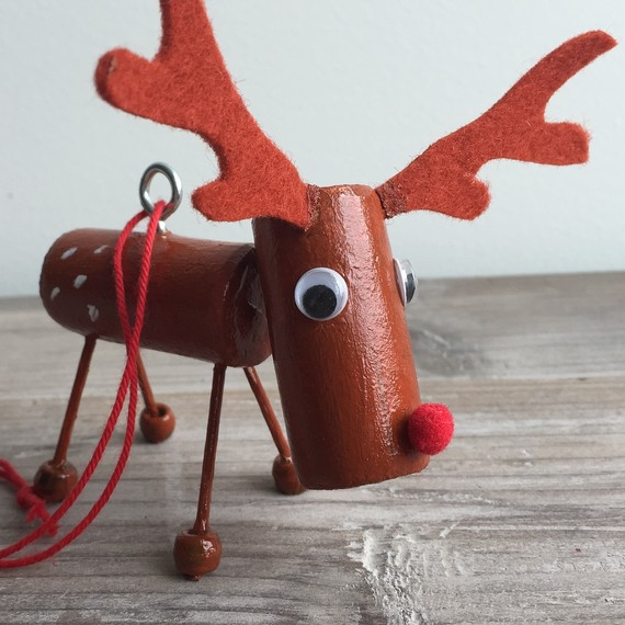 reindeer-ornament-1015.JPG (skyword:189937)