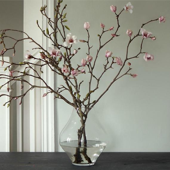 v-day-flowers-branches.jpg (skyword:392638)