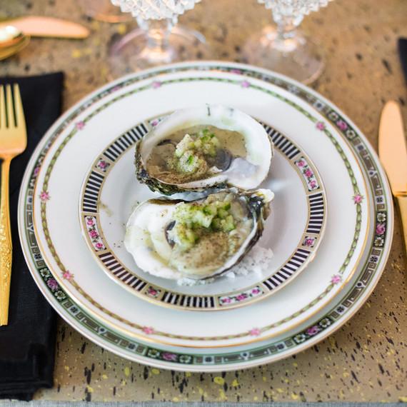 vintage_modern_oysters_0316.jpg (skyword:238525)