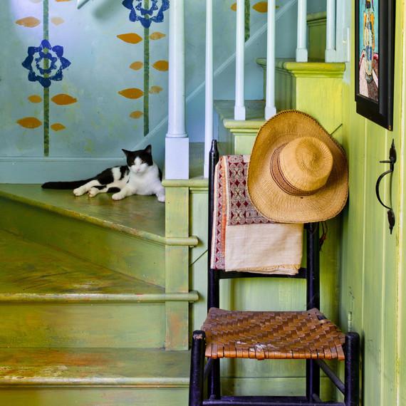 green-decor-stairs-0815.jpg (skyword:179607)