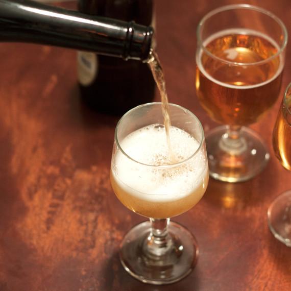 hard-cider-pour-tm-1014.jpg