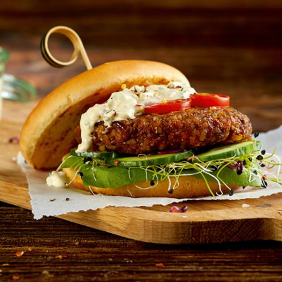 mealworm-burger-jan2017.jpg (skyword:386666)