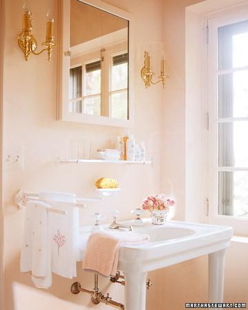 mla102768_0507_bathsink.jpg