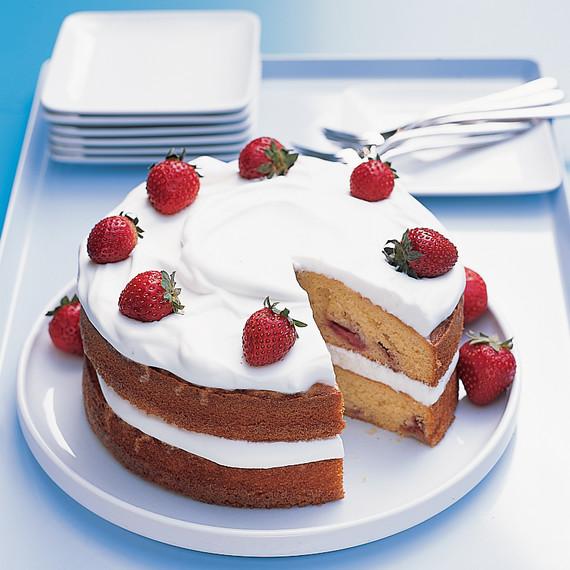 Fed Up with Fruitcake? Give Japanese Christmas Cake a Try ...