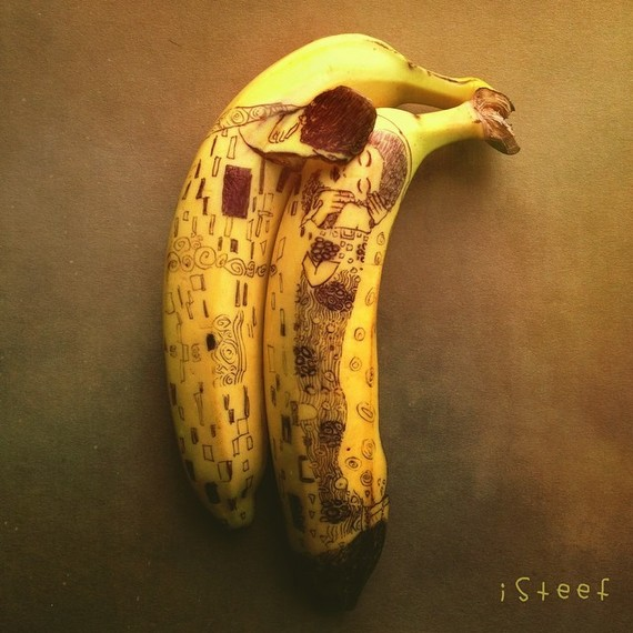 banana-art-the-kiss-0617