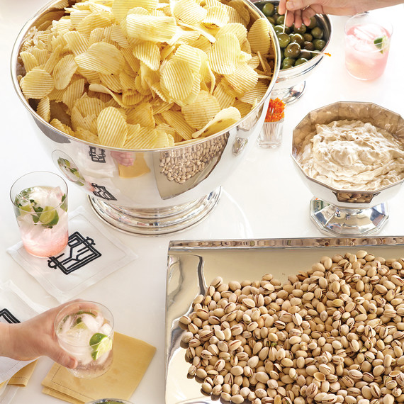chips-nuts-0611mld107199.jpg