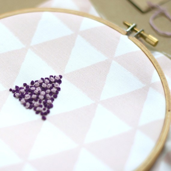 french-knot-detail-11-15.jpg (skyword:206246)