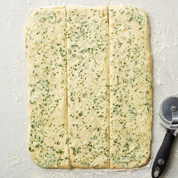 herb bread how to cut