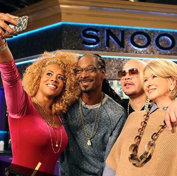 martha snoop show selfie