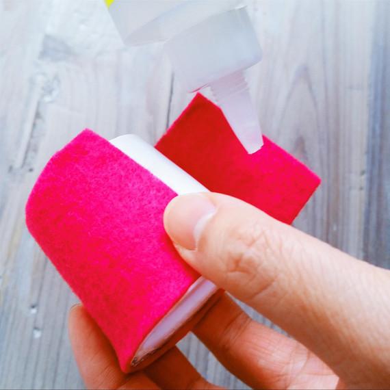 napkin-ring-glueing-0315.jpg