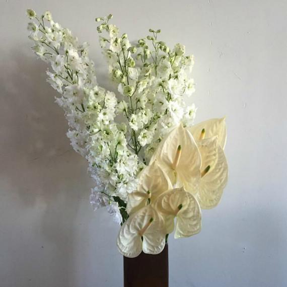 v-day-flowers-asymmetric.jpg (skyword:392636)