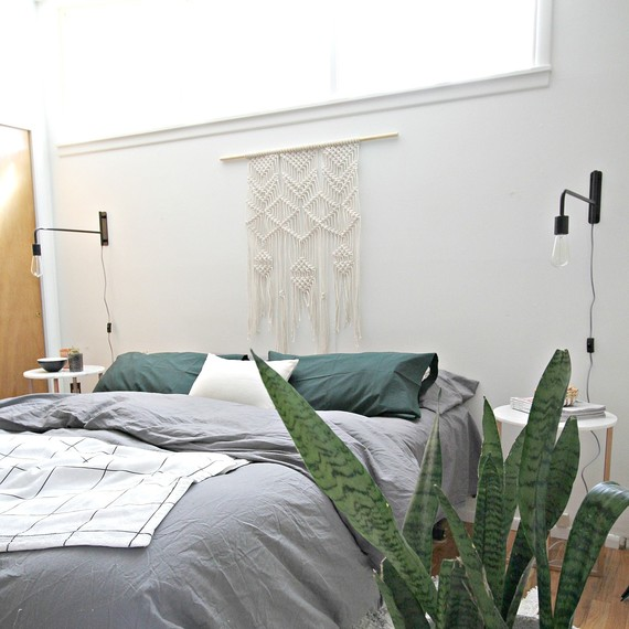 Caycee-Bedroom-Makeover-7.jpg (skyword:243199)