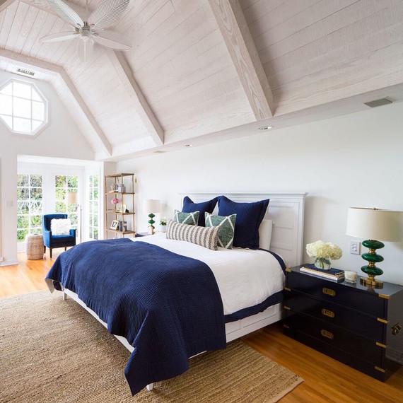 bedroom-makeover-6-29-002.jpg (skyword:296953)