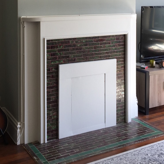 fireplace-diy-before-1016.jpg (skyword:356228)
