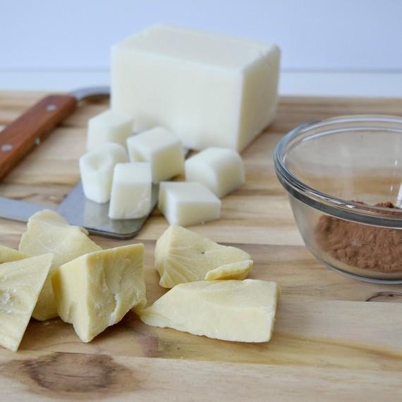 milk-chocolate-soap3-0117.jpg (skyword:389130)