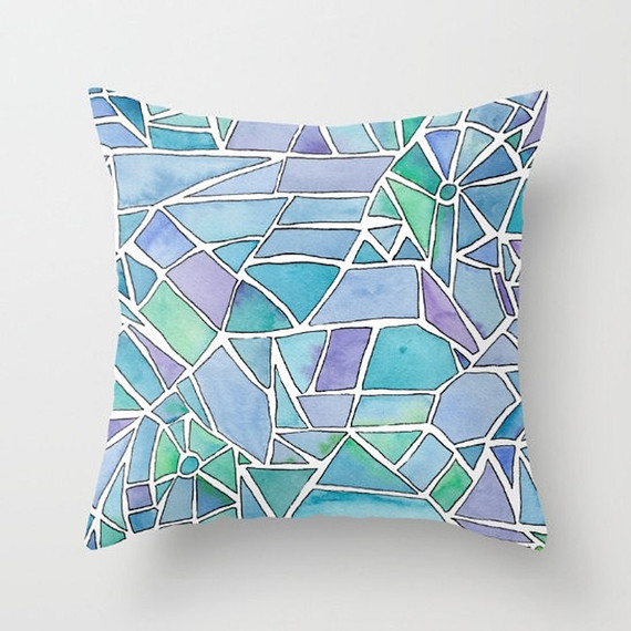 stained-glass-pillow-0516.jpg (skyword:273516)