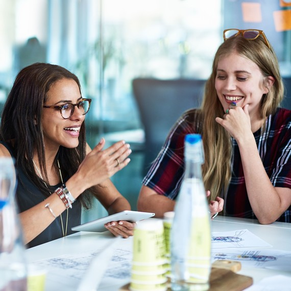 Having More Female Friends May Help You Succeed in the Workplace