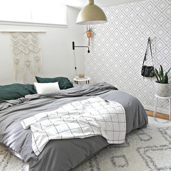 Caycee-Bedroom-Makeover-10.jpg (skyword:243201)