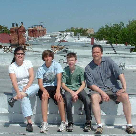 anya-schoolman-family-0318.jpg