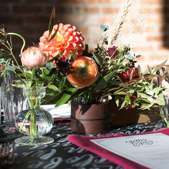 calligraphy_flowers_dinner_0116.jpg (skyword:217398)