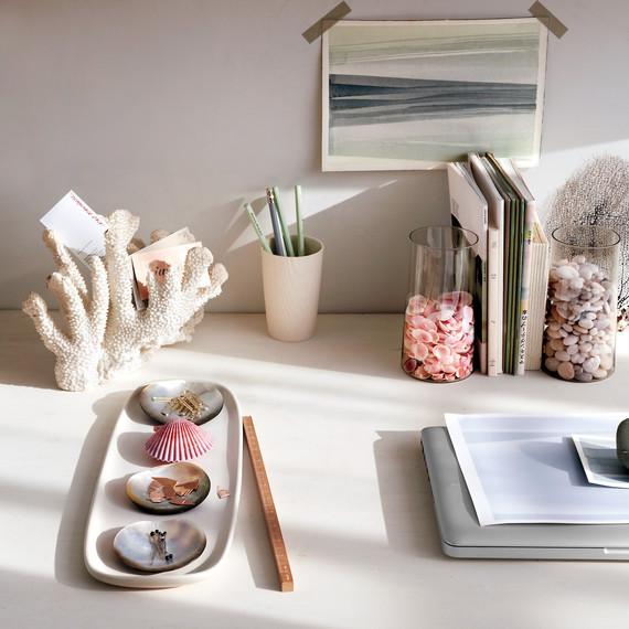 desk-tableau-0119-ld111003.jpg
