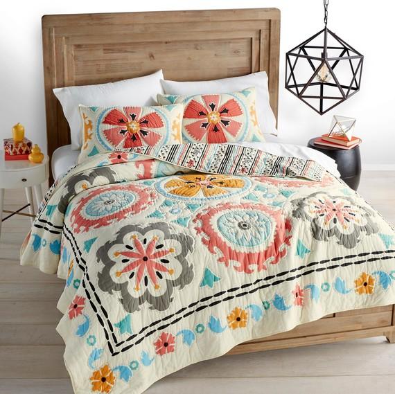 Macyu0027s Bedding Desert Daisy Quilt