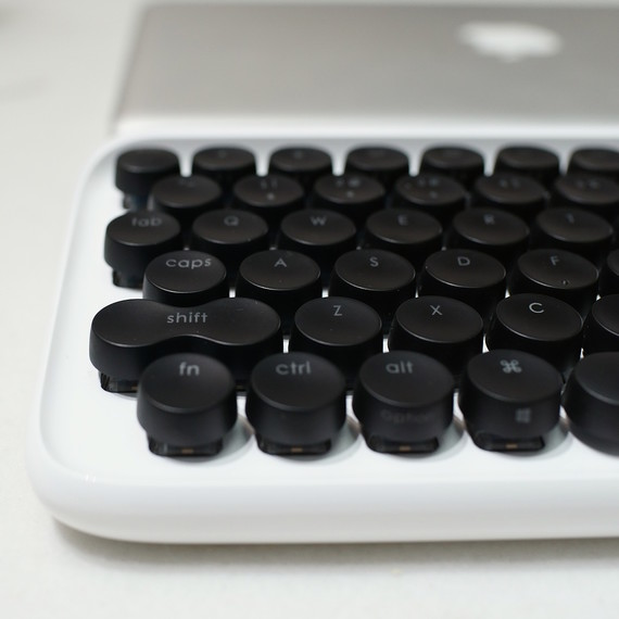 mechanical-keyboard-0117-3.jpg (skyword:391638)
